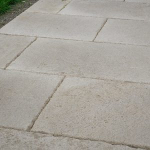 Burgundy stone slabs : exterior aisle - Free length 30 cm