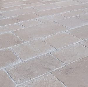 Natural stone floor Cèdre Bronze - Cathedral finish - freebelt 35x45x55 cm