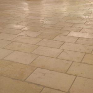 Burgundy natural slabs