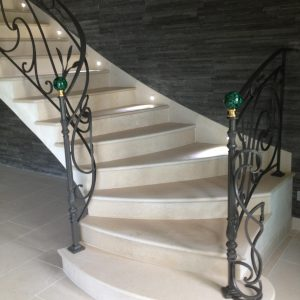 Créma Nova Natural Stone Swing Staircase