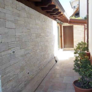 Natural stone facade - Different sizes