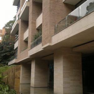 Natural façade in Cèdre Gray