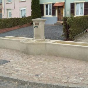 Stone village fountain - Fremonville (54)