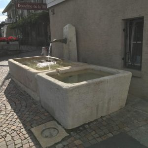 Fountain and natural stone basin – Switzerland
