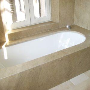 Cèdre Gray natural stone bathtub cladding