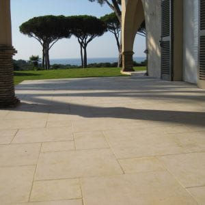 Natural Crema Nova beige slab for this stunning terrace - Tambourinated finish