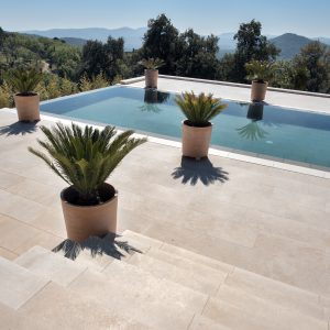 Cèdre Gray Natural Stone Steps and Pool Beach - Brushed Sandblasted Finish