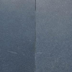 Pierre calcaire noire Black Sky - Finitions brossée et adoucie
