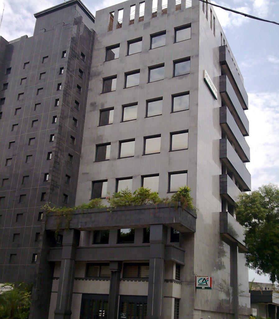 Facade of the Gabonese bank union - Zimbabwe black granite