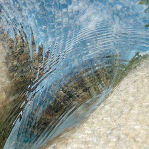 Pierre naturelle calcaire Branco Mar - Finition mouillée